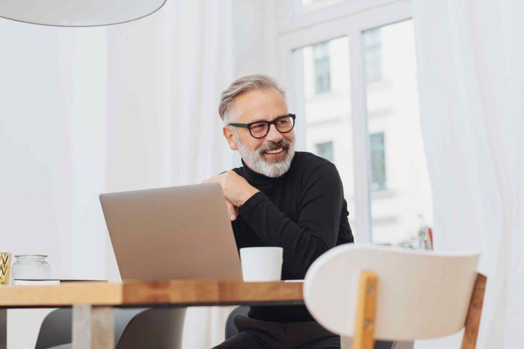 ü55 jähriger prüft online Wechsel von PKV zu GKV